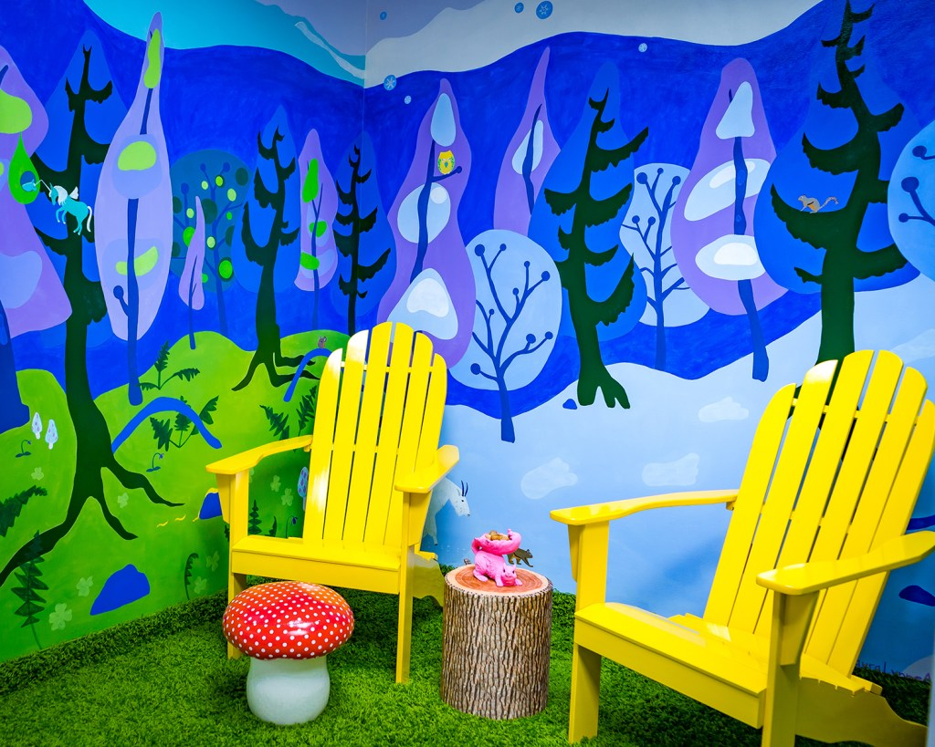 magical trippy employee lounge mural painting by Laura Lynne in Chicago suburbs